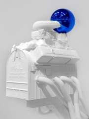Jeff-Koons-17-Gazing-Ball-(Mailbox),2013-(2)