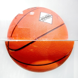 Jeff-Koons-5-Two-Ball-50-50-Tank-(Spalding-Dr-J-Silver-Series-Wilson),1985(2)